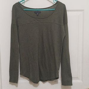 ♥️ American Eagle Outfitters Long Sleeve Tee